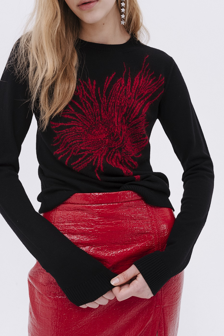 red and black tripe top with N21 logo and black outwear