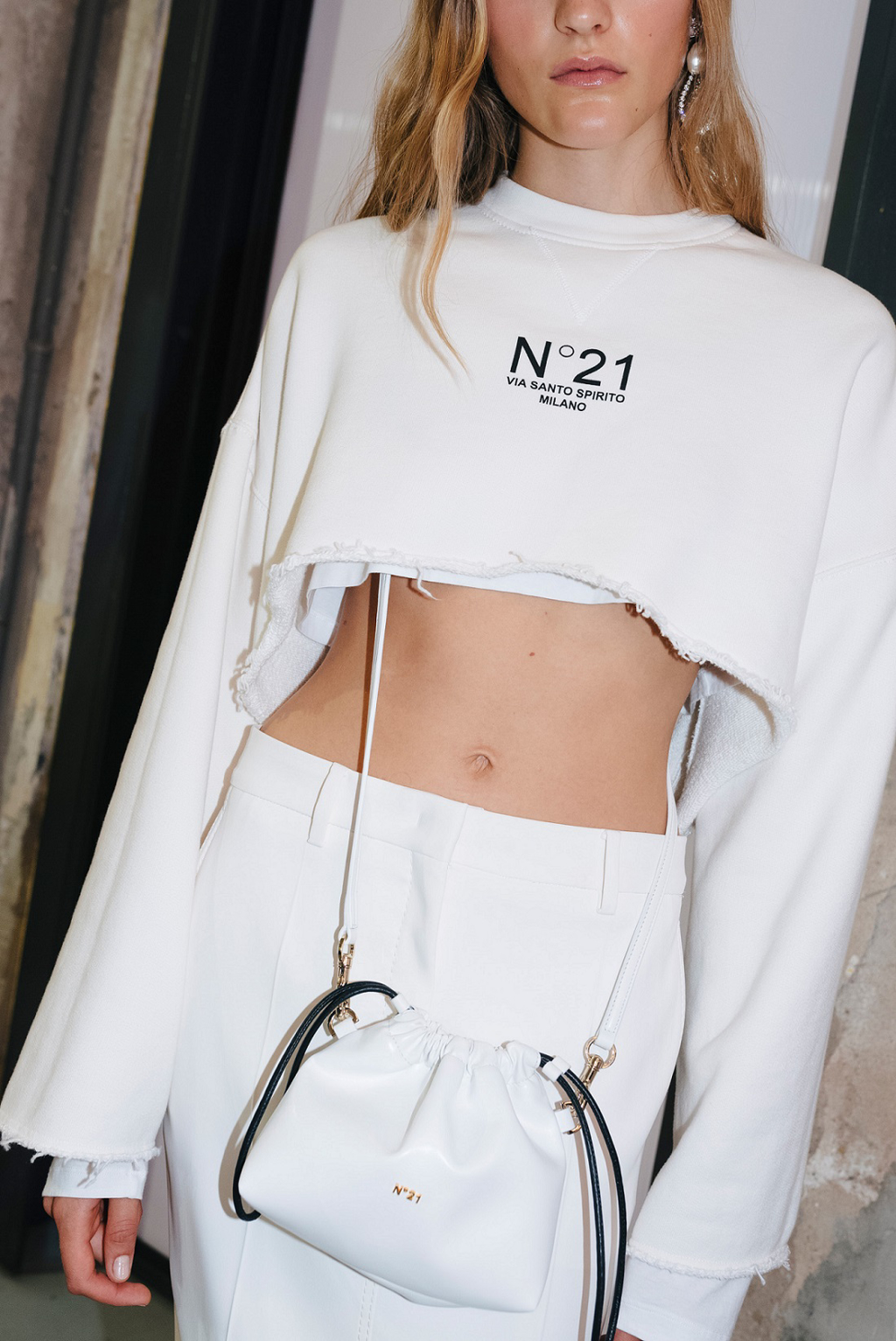 N21, eva, eva mini crossbody bag, white, cropped sweatshirt